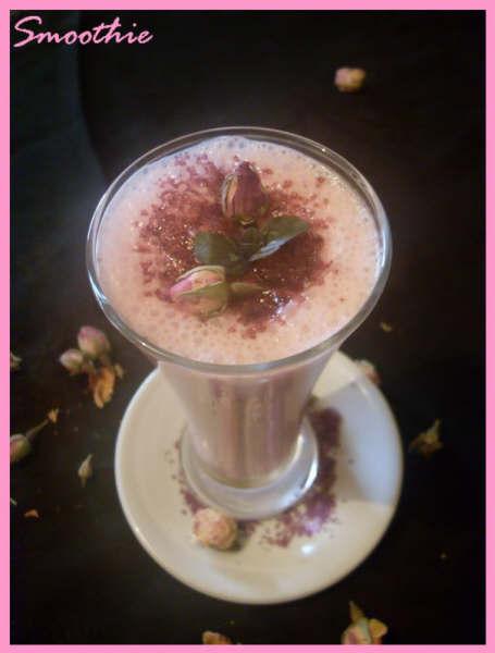 Smoothie rhubarbe et eau de rose