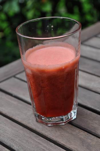 Jus de fruits fraise et kiwi